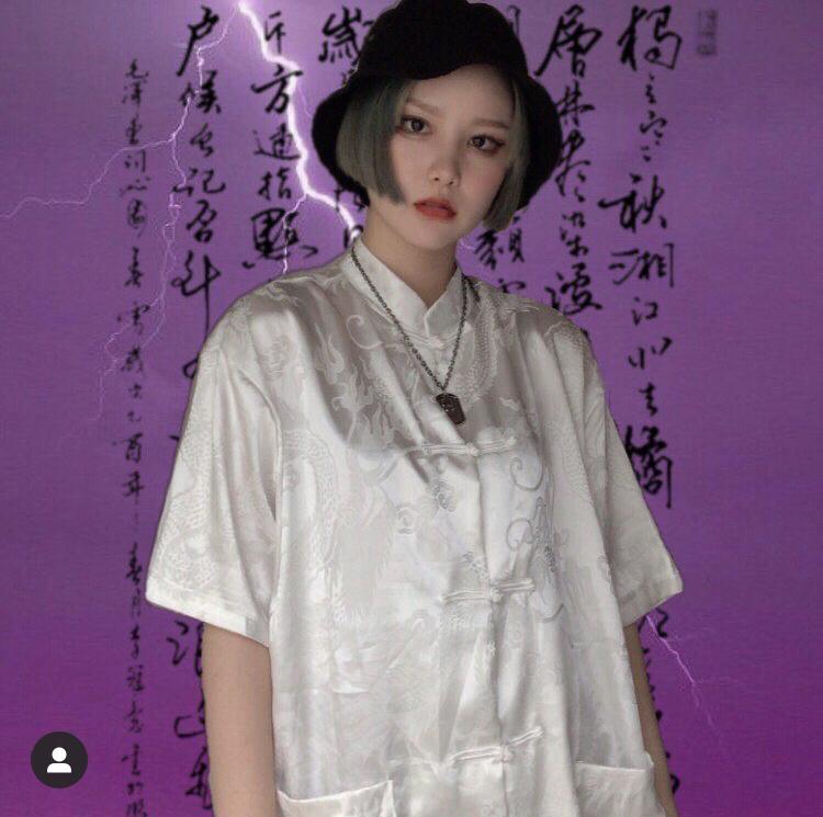 〈インフルエンサー紹介〉 . 10代 ファッション中心 フォロワー数 9,321 人